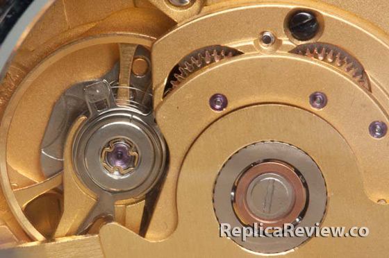 closeup image of knockoff watch movement