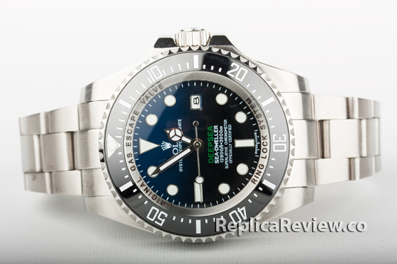 Fake Rolex diver's watch with stainless steel band