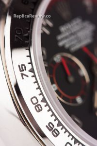 stainless steel case and bezel of fake rolex daytona with tachymeter marks