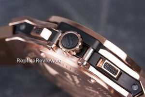 fake hublot winding crown and chronograph buttons